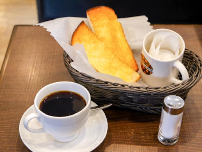 オープン~11:00までのモーニングタイムには、コーヒーなどのドリンクをオーダーすると、トーストとゆでたまごが無料でついてきます(2019年2月17日撮影)