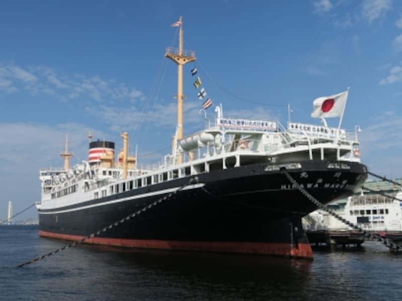 山下公園に係留されている「日本郵船氷川丸」(2016年8月17日撮影)