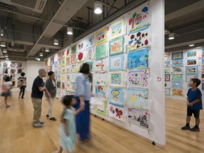 昨年の「横浜市こどもの美術展」の様子photoKenKATO(画像提供:横浜市民ギャラリー)