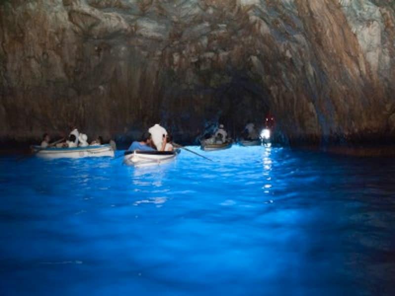 ナポリからカプリ島・青の洞窟への行き方