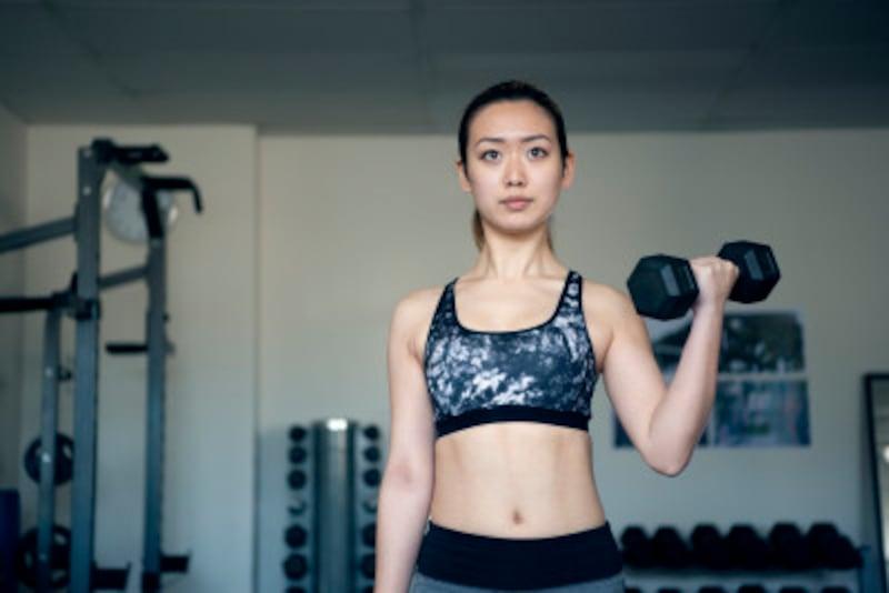 筋肉を作るならダンベルだって十分です