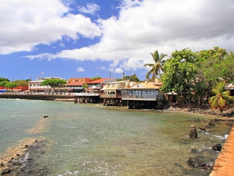 同じ名前を持つマウイ島西部の港町ラハイナ