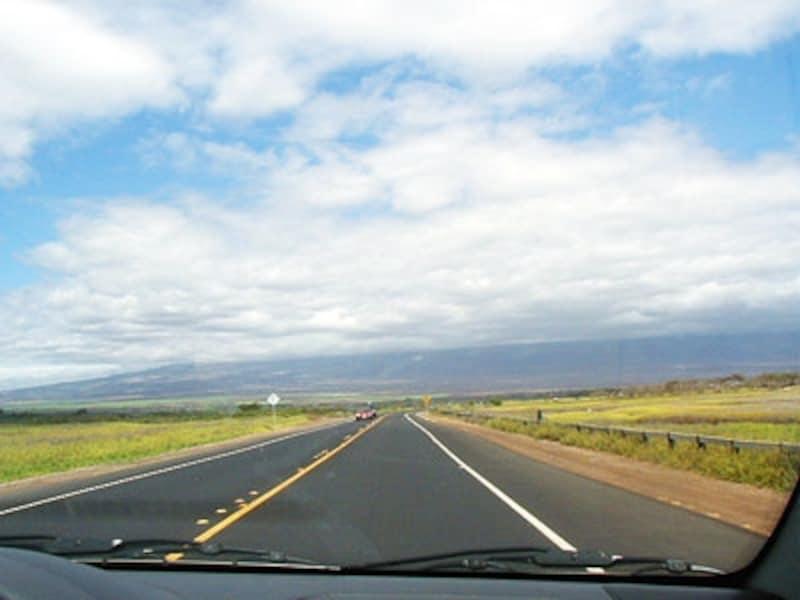 道幅が広く、空いているネイバーは、レンタカーデビューに最適