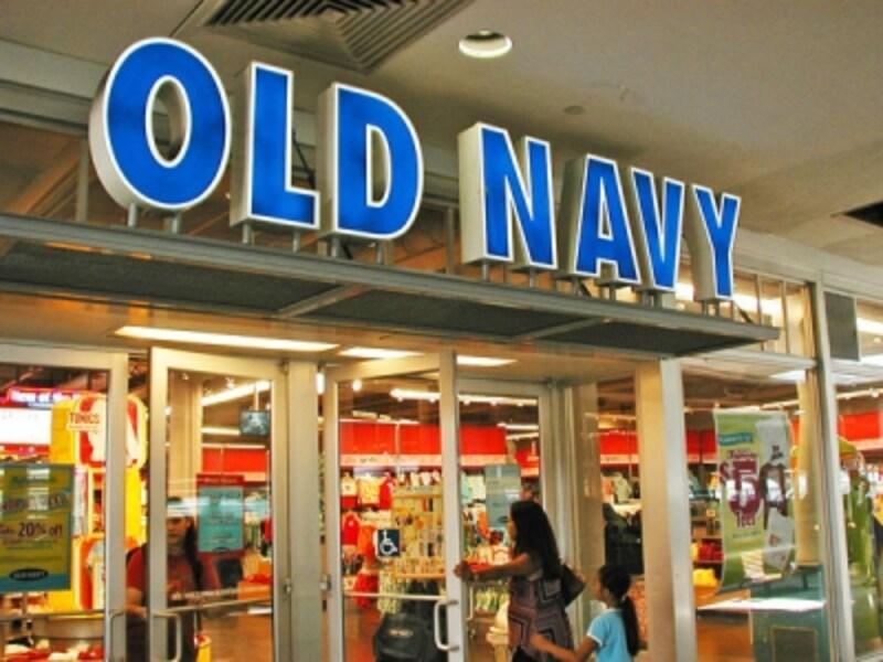 水着やTシャツなどの現地調達に。2017年1月に日本から撤退したことでまとめ買いする人も