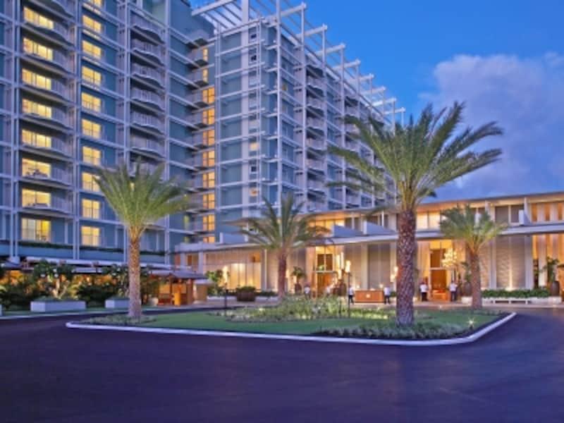 ホノルルの超高級ホテル、ザ・カハラの宿泊者駐車料金はバレー、セルフともに1日38ドル