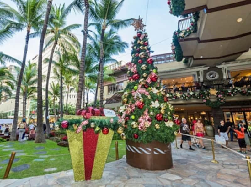 ロイヤル・ハワイアン・センターでは、他のショッピングセンターが休館となる感謝祭当日にサンクスギビングデーセール!