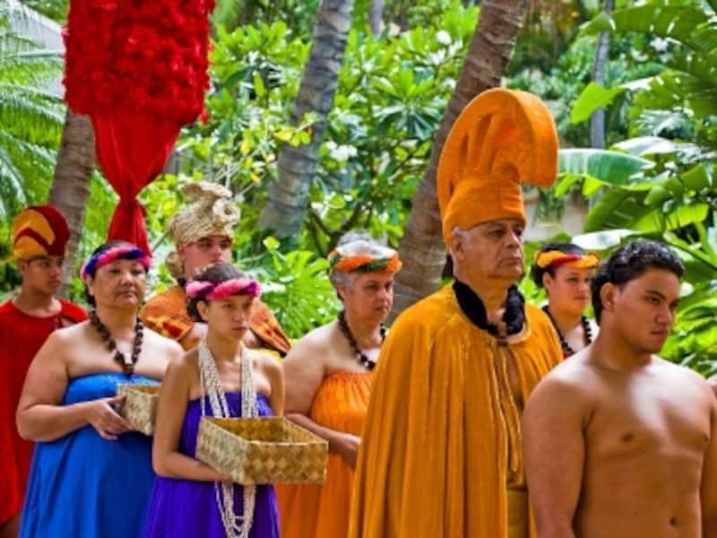 王族の衣装をまとったロイヤルコート(写真提供:HawaiiTourismAuthority(HTA)/TorJohnson)