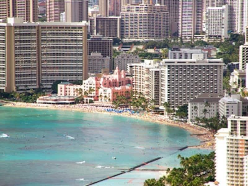ホテルのグレードや眺望でツアー料金が何万円も違ってくるから、慎重に選びたいもの