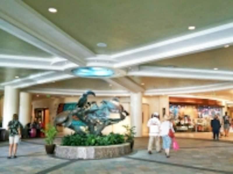 ホテル前の海にやってくるウミガメがマスコット