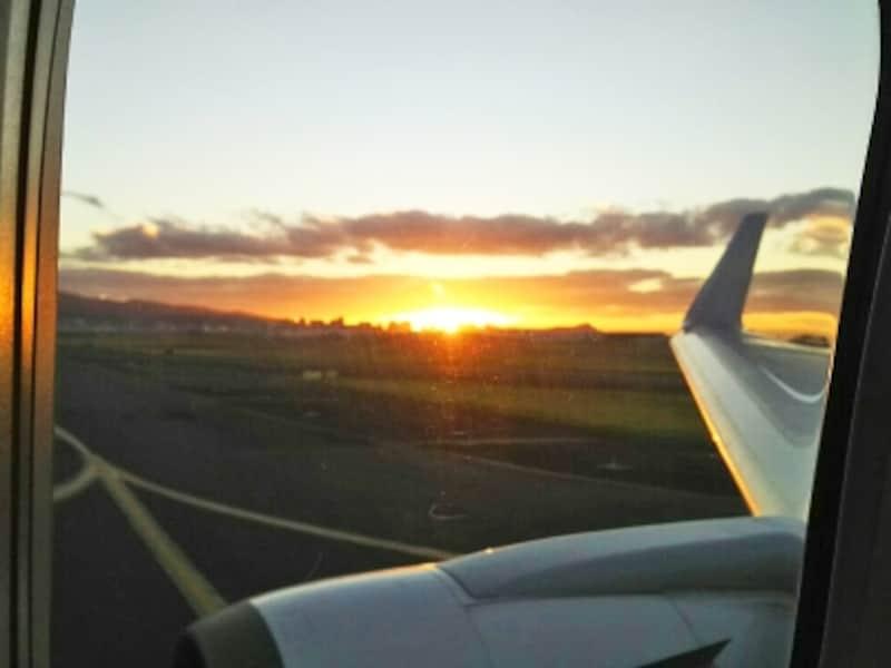 ハワイに到着。2回の機内食時間を除くと、睡眠時間は3時間ほど