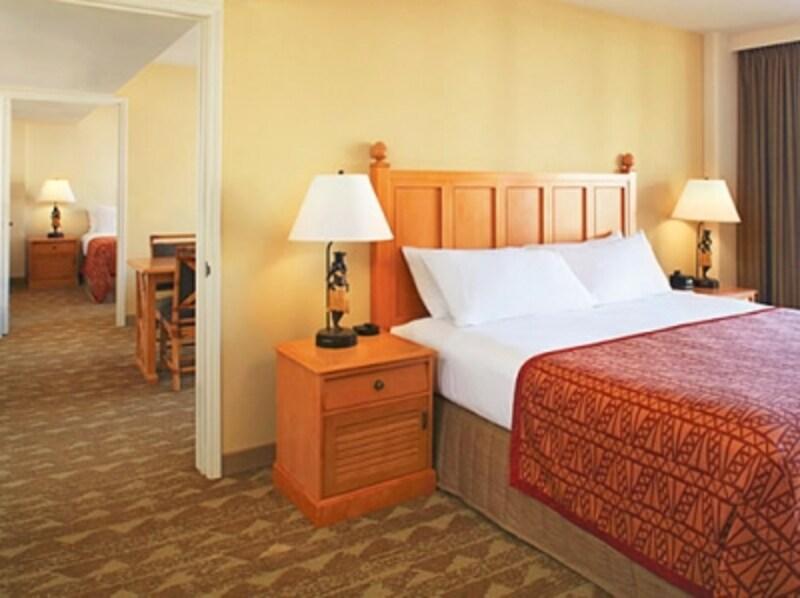 リビングと寝室2部屋、バスルームも2つ完備している2ベッドルーム