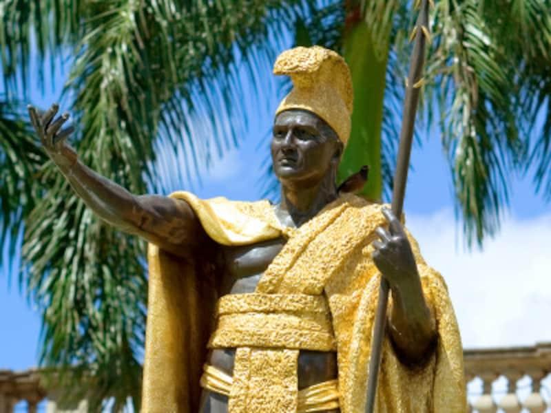 ハワイ王国を築いたカメハメハ大王もサーフィンが上手だったそう