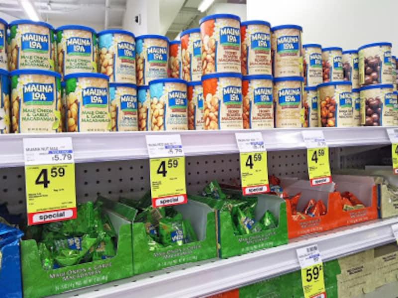 缶入り、袋入り、ばらまき用のテトラ型などサイズも価格も様々でお土産に選びやすい