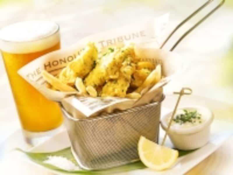 白身魚のマヒマヒをビール入り衣で揚げたフィッシュ&チップス。ハワイ島コナのシーソルトをつけて