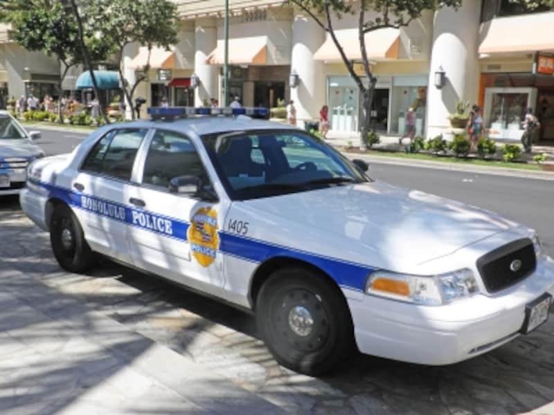私服警官がパトロールすることも。安全のためにも横断歩道を渡ろう