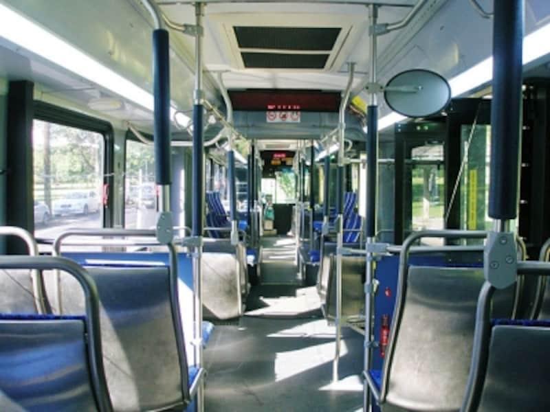 ザ・バスは旅行者にとって使いやすく、経済的な移動手段