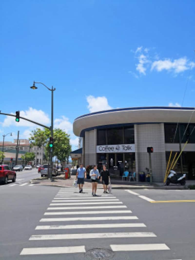 真っ青な空が広がる7月のハワイ