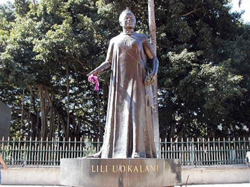 ハワイ王国最後の女王、リリウオカラニの生誕(9月2日)を祝い始まったケイキ・フラ・コンペティション