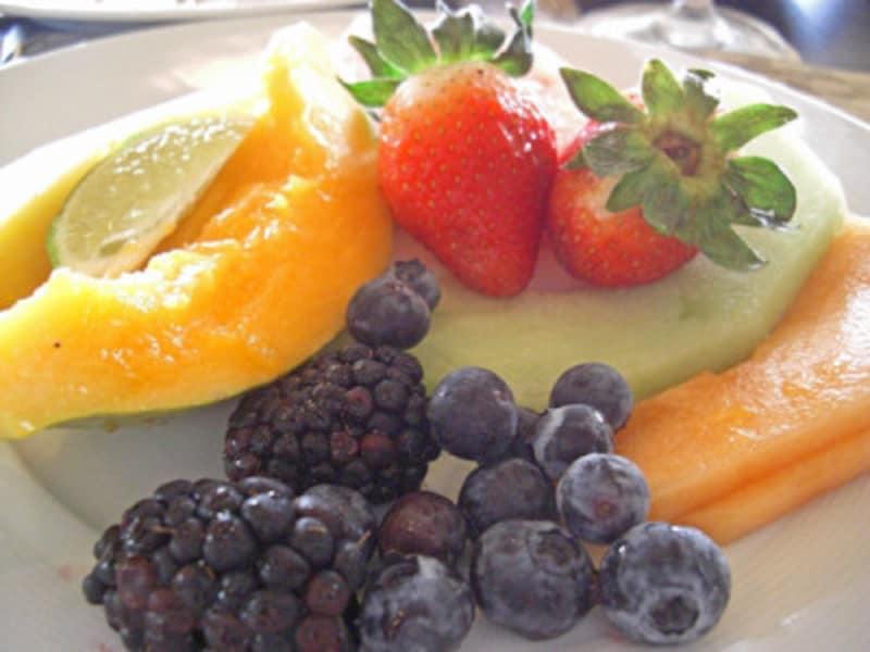 サクサクした食感のカンタロープとハニーデュー。ホテルで食べる朝食ブッフェの定番フルーツ