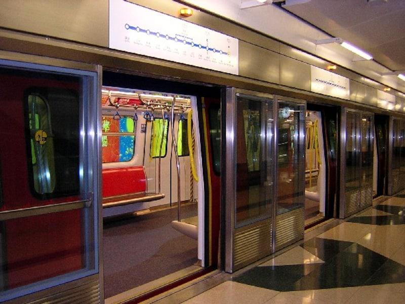 尖東駅ホーム2