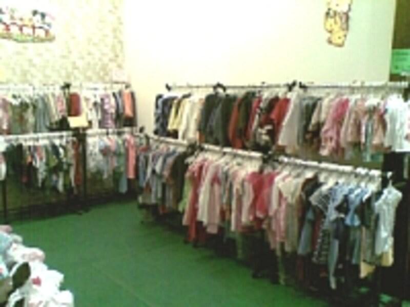 子供服のアウトレット・コーナー