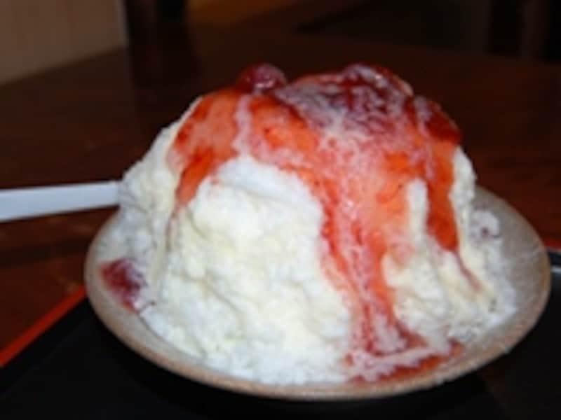 イチゴミルクかき氷