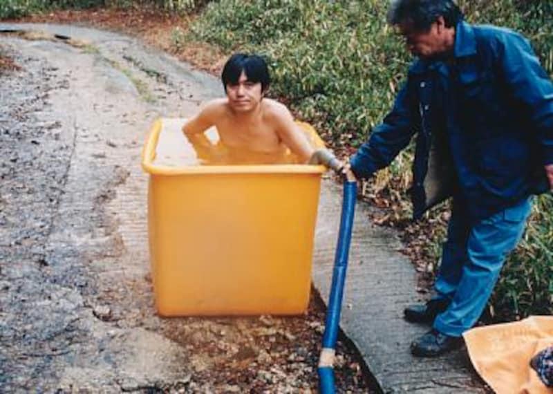 ポリ容器にて入浴