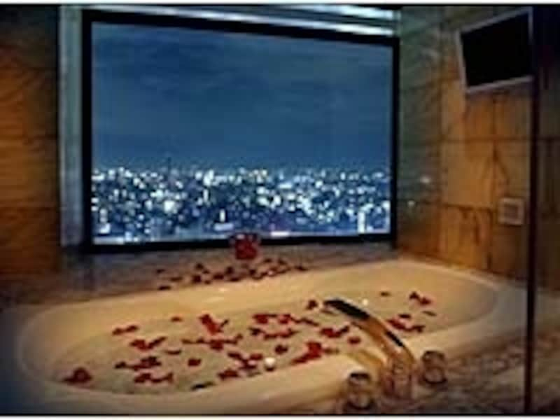25・26階のガバナスイートの星空の見えるバスルーム