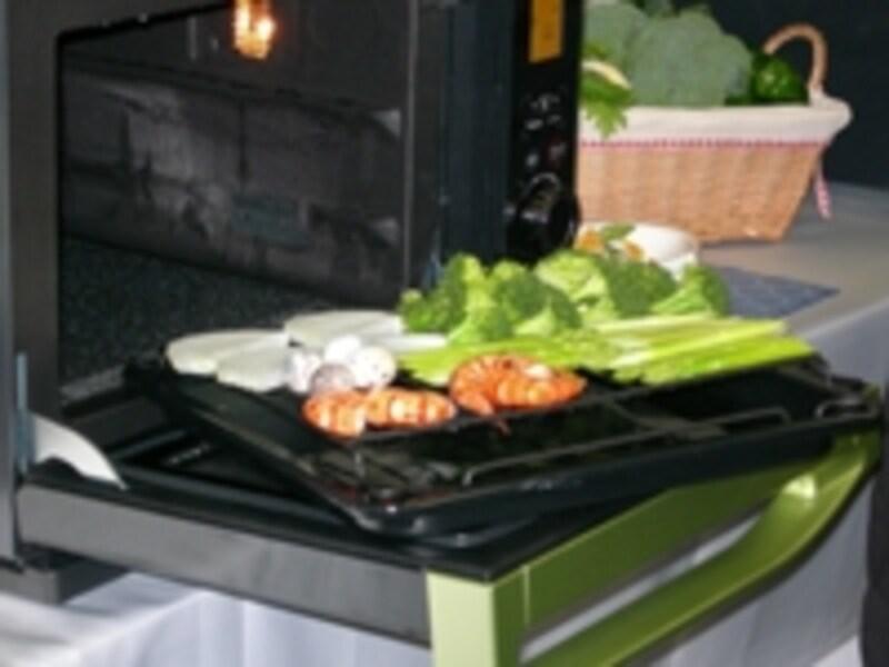 お手頃価格とはいえ「ヘルシオ調理」がしっかりできるのが魅力!