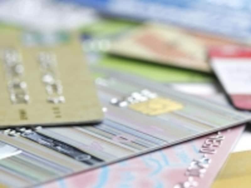 海外旅行保険付帯のカード選びは?