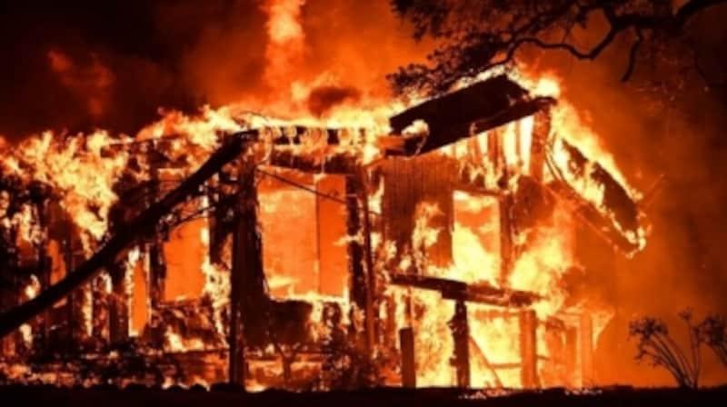 住宅ローンを組んで家が全焼した場合の支払いがどうなるのか知っておきましょう