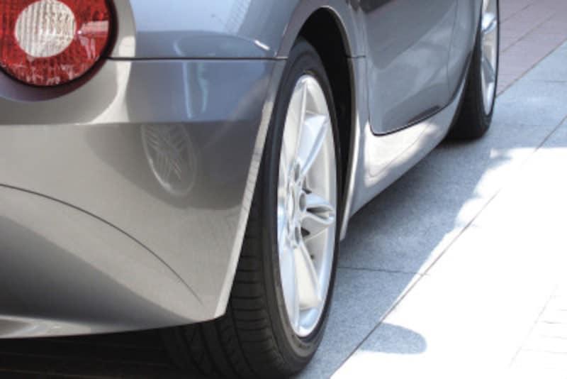 タイヤパンク時の修理代、車両保険から出る?