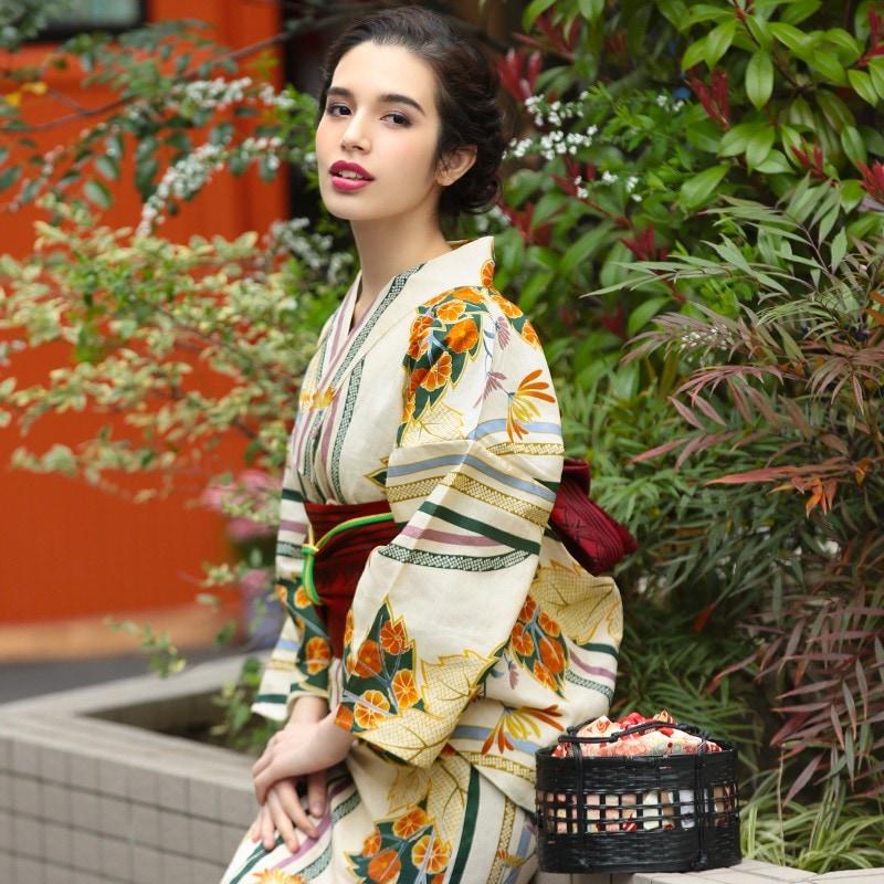 ホンコンマダム,大正ロマン菊柄のベージュの浴衣,d2083-0