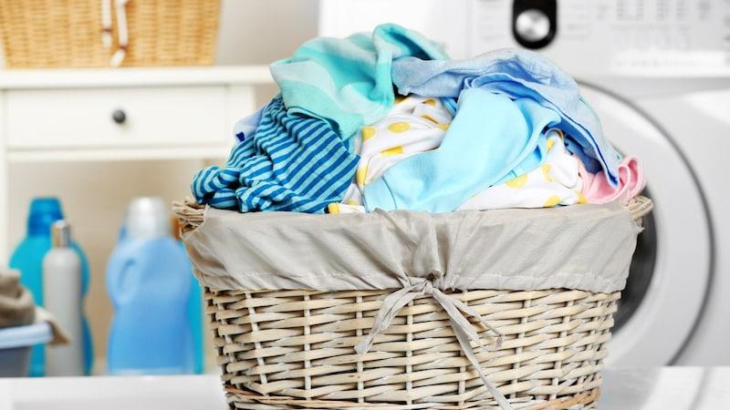 ポリエステル素材の正しい洗濯方法とおすすめ洗剤8選 毛玉、縮み、臭い、しわを除去!