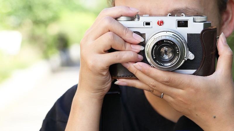 今大人気のフィルムカメラ、その楽しみ方とおすすめアイテム20選