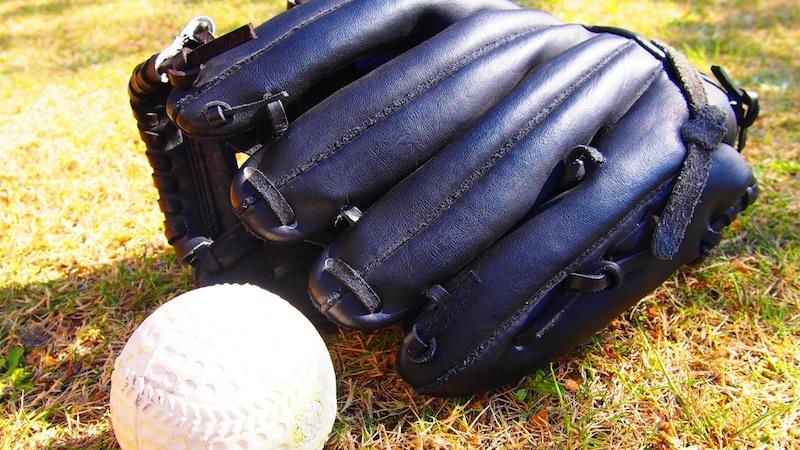 ソフトボール用ボールのサイズの種類、試合球・検定落ちの違い