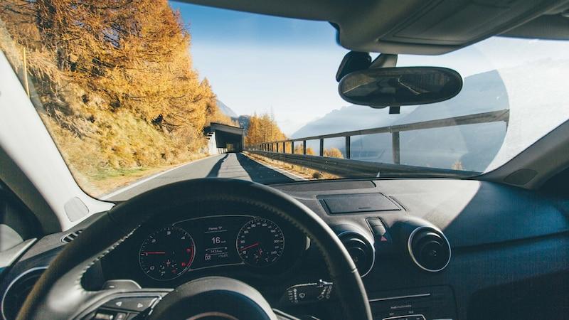 車用ガラスクリーナーのおすすめ人気ランキング9選|外側と内側で選び方・使い方が変わる!