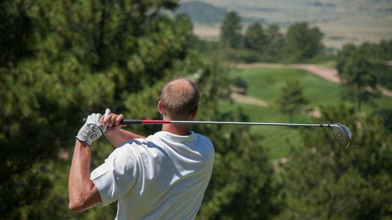 メンズ用ゴルフグローブのおすすめ商品12選 選び方などを解説!