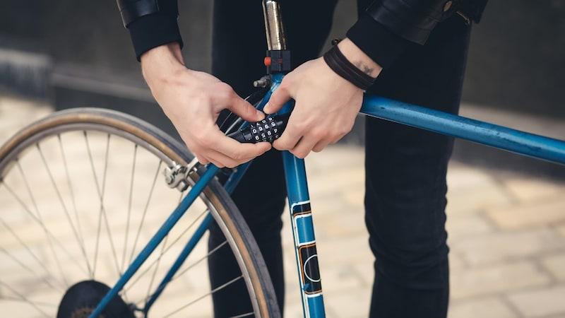 【2021】ロードバイク用の鍵おすすめ10選|盗難防止の掛け方は?軽量で頑丈・持ち運びしやすいものも