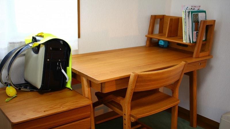 子どもの姿勢を正しく保とう!学習机の椅子の選び方とおすすめ10選