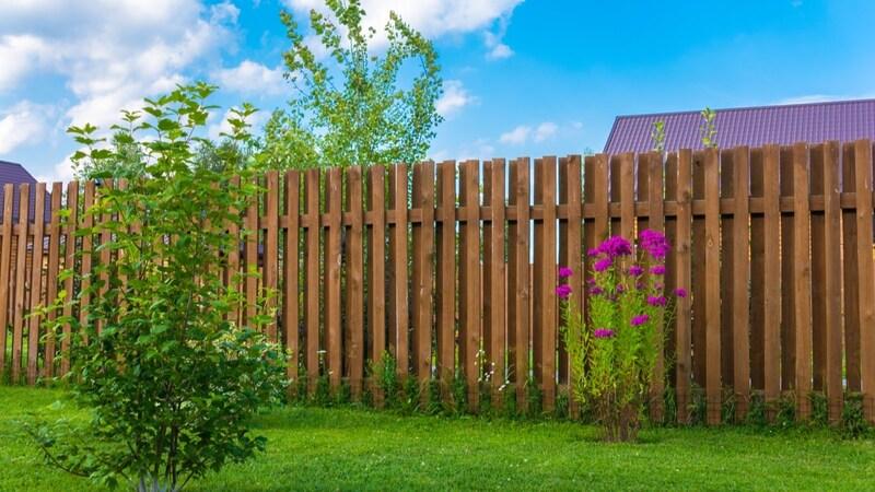 DIYでフェンスを設置しよう!アイデア例と取り付け方法