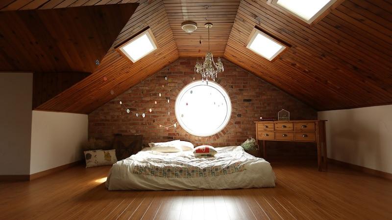 おしゃれなローベッド4選|部屋をきれいに見せるコツも解説!