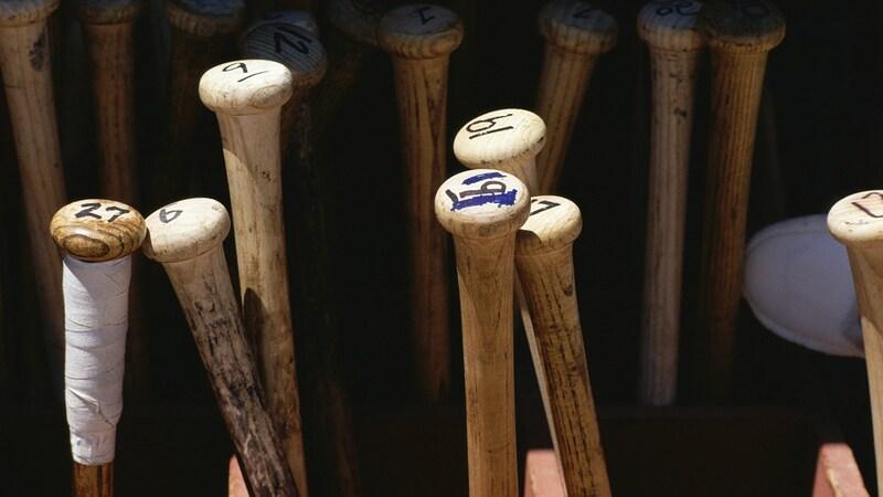 一般用軟式野球バットの選び方とおすすめ人気バット【カーボン製、木製、金属製など】