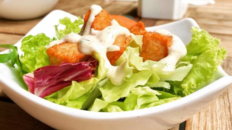 野菜や冷奴にかけたい!人気のドレッシングランキングベスト6