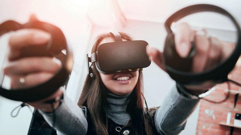 Oculus Riftは簡単設置で本格ゲーム&映像を体験できる!