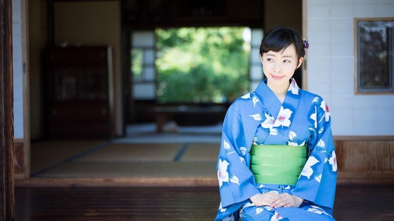 定番・紺色のオシャレ浴衣7!ひまわり・朝顔・金魚柄etc.