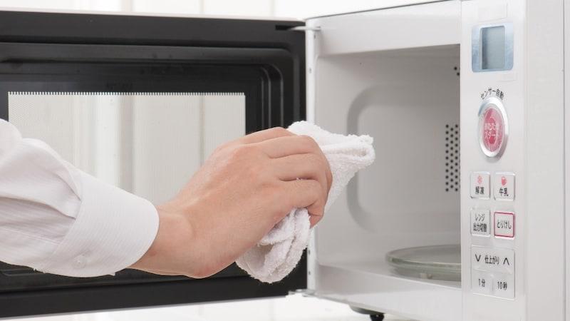 電子レンジを簡単お掃除!落とし方と便利商品11選を紹介