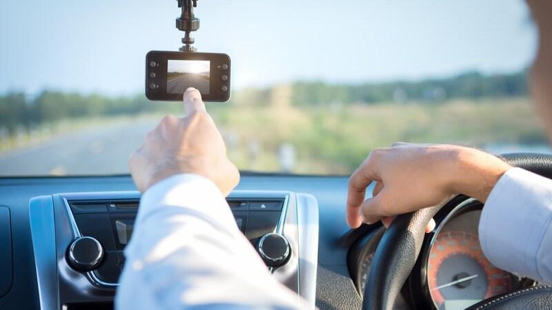 ケンウッドのドライブレコーダーおすすめ人気ランキング9選|駐車監視付き・前後を撮れるタイプも!