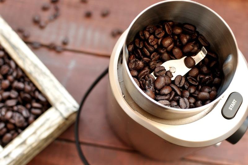 コーヒーミルおすすめ人気ランキング22選|手動、電動を比較!選び方やおしゃれな製品も紹介