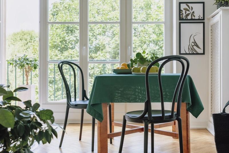 ビニールテーブルクロスおすすめ人気ランキング7選|透明の切り売りやかわいいデザインも紹介